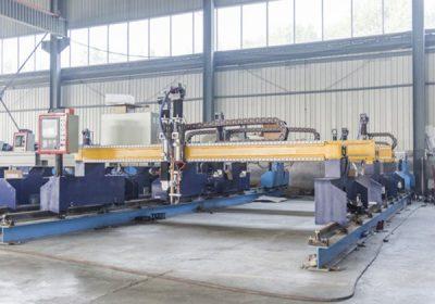 Čína Jiaxin 1300 * 2500 mm plazmového rezacieho zariadenia plazmového rezania plazmového rezača plazmového špeciálneho statného LCD panelového riadiaceho systému