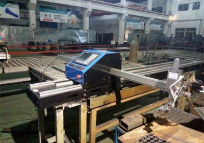 Plazmový rezací stroj CNC plameňom s kovovou doskou